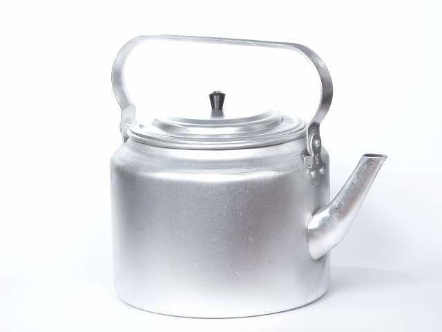 Алюминиевый походный чайник объемом 4 литра